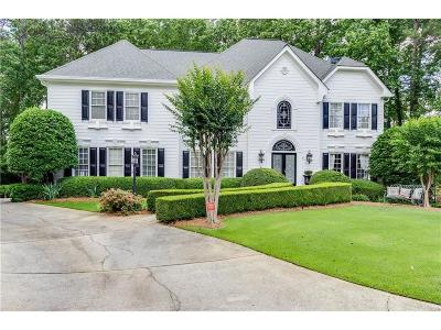 Fulton County Single Family Home For Sale: 585 Vinington Court