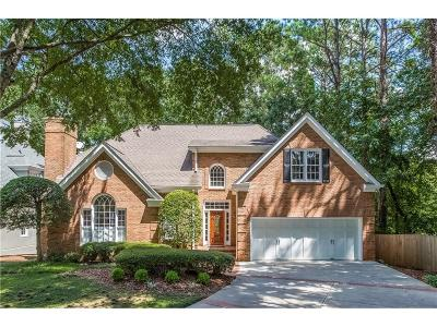 Sandy Springs Single Family Home For Sale: 255 Woodchase Close NE