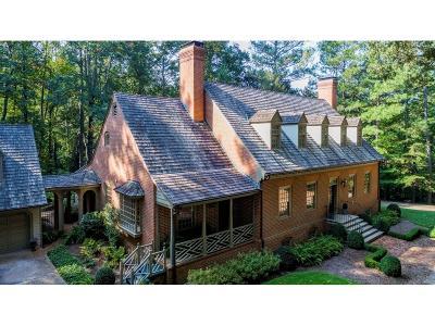 Single Family Home For Sale: 1725 Winterthur Close