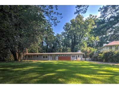 Single Family Home For Sale: 4582 Club Drive NE