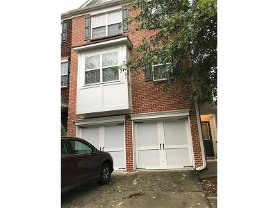 Duluth Condo/Townhouse For Sale: 2218 Landing Walk Drive
