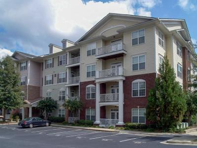 Alpharetta GA Condo/Townhouse For Sale: $189,900