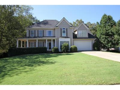 Suwanee Single Family Home For Sale: 3800 Regal Oaks Drive