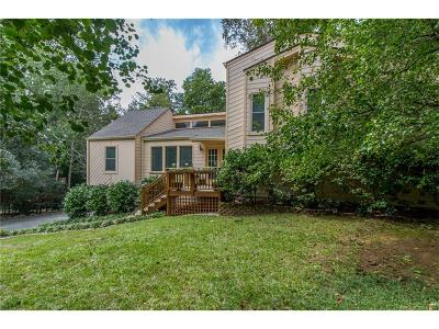 Roswell Single Family Home For Sale: 10800 Shagbark Trail