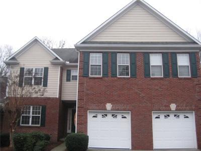 Buford Condo/Townhouse For Sale: 2075 Pine Tree Drive #B2