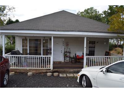 Buford Single Family Home For Sale: 585 W Shadburn Avenue