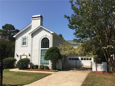 Alpharetta Single Family Home For Sale: 5020 N Somerset Lane