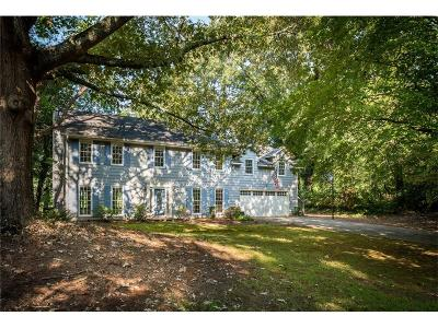 Marietta Single Family Home For Sale: 2555 Old Orchard Trail