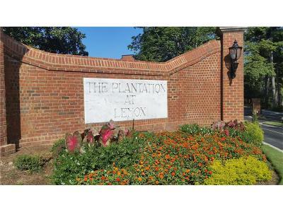Atlanta Condo/Townhouse For Sale: 23311 Plantation Drive NE