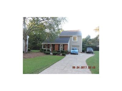 Roswell Single Family Home For Sale: 102 Roswell Green Lane