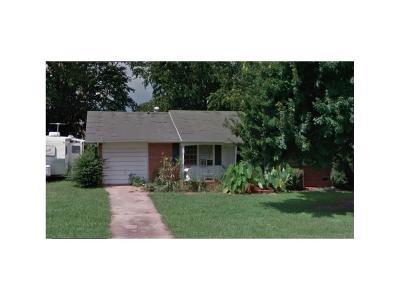 Oakwood Single Family Home For Sale: 3755 Robinson Drive