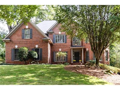 Roswell Single Family Home For Sale: 6025 Tangletree Drive
