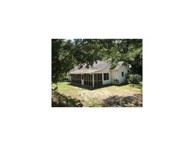 Stockbridge Single Family Home For Sale: 107 Tye Street