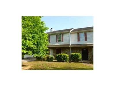 Powder Springs GA Condo/Townhouse For Sale: $75,000