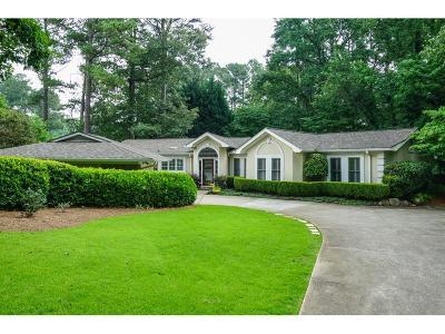 Marietta Single Family Home For Sale: 3611 Clubland Drive