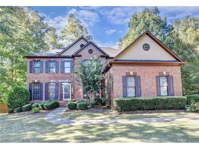 Roswell Single Family Home For Sale: 805 Aronson Lake Court