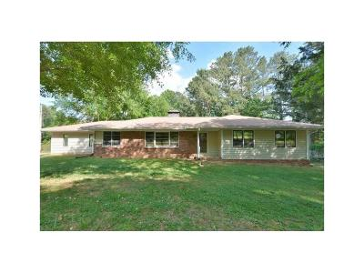 Alpharetta Single Family Home For Sale: 12385 Douglas Road