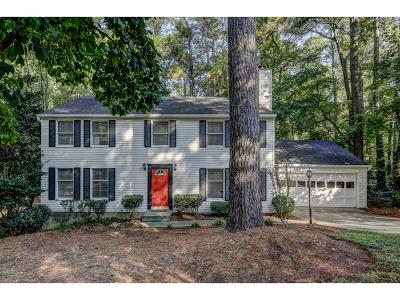 Roswell Single Family Home For Sale: 515 Sailwind Drive