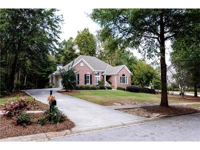 Single Family Home For Sale: 8520 Parkview Court