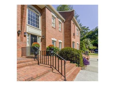 Condo/Townhouse For Sale: 402 Ansley Villa Drive NE