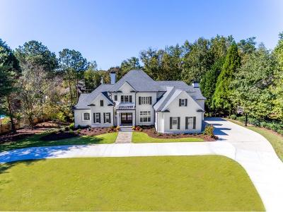 Sandy Springs Single Family Home For Sale: 8410 Lazy Oaks Court