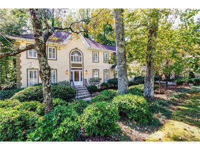 Alpharetta Single Family Home For Sale: 3065 Hartridge Drive