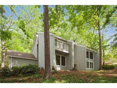 Roswell Single Family Home For Sale: 1975 Six Branches Drive