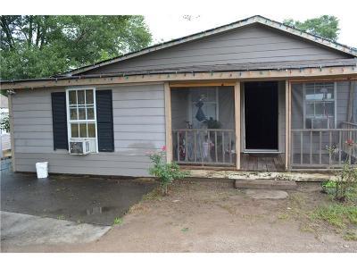 Buford Single Family Home For Sale: 19 Poplar Street