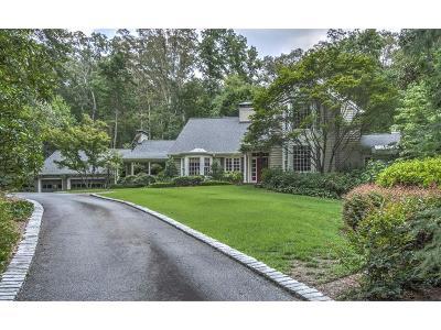 Atlanta Single Family Home For Sale: 3945 Beechwood Drive NW