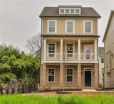 Woodstock Single Family Home For Sale: 213 Parksedge Lane