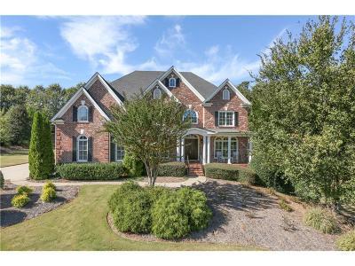 Milton  Single Family Home For Sale: 691 Glenover Drive