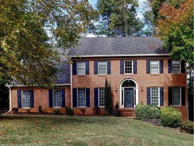 Roswell Single Family Home For Sale: 4304 N Smoke Ridge Court NE