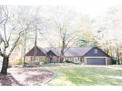 Roswell Single Family Home For Sale: 2880 Roxburgh Drive