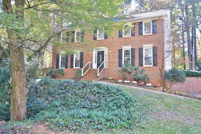 Marietta Single Family Home For Sale: 3726 Running Fox Drive