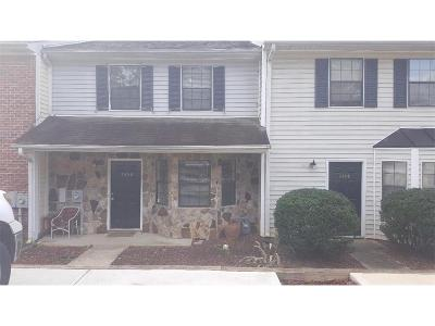 Smyrna Condo/Townhouse For Sale: 1450 Springleaf Circle