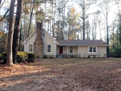 Fayetteville Single Family Home For Sale: 125 Devilla Trace