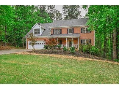 Alpharetta Single Family Home For Sale: 825 Freemanwood Lane
