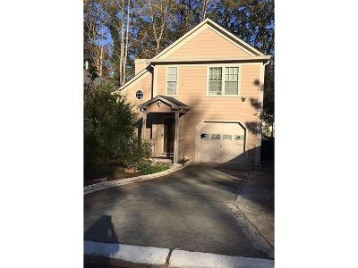 Lawrenceville Single Family Home For Sale: 1151 Holly Circle
