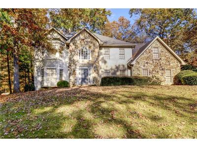 Roswell Single Family Home For Sale: 8565 Olde Pacer Pointe