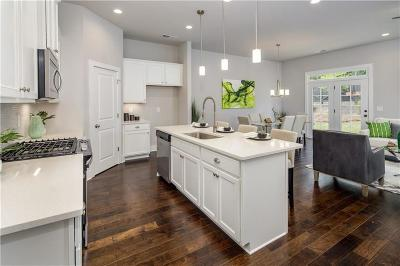 Sandy Springs GA Condo/Townhouse For Sale: $437,959
