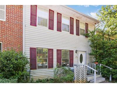 Marietta Condo/Townhouse For Sale: 305 Hamilton Court