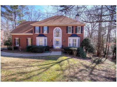 Alpharetta  Single Family Home For Sale: 740 Sweetbrier Drive