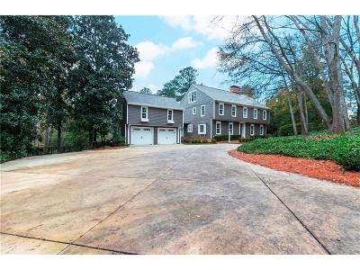 Sandy Springs Single Family Home For Sale: 680 Tanglewood Trail