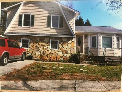 Duluth Single Family Home For Sale: 3057 Montheath Pass