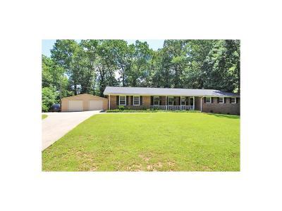 Smyrna Single Family Home For Sale: 4237 King Springs Road SE
