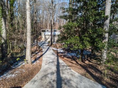 Lawrenceville Single Family Home For Sale: 3339 Lake Drive