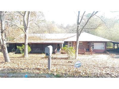 Mableton GA Single Family Home For Sale: $129,900