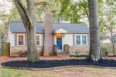 Single Family Home For Sale: 765 Clifton Rd