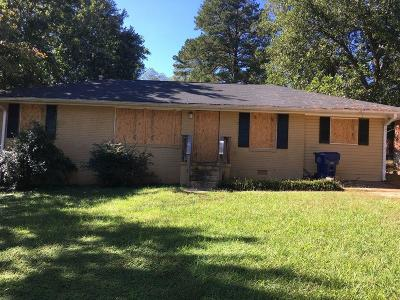 Single Family Home For Sale: 2419 Baywood Drive SE