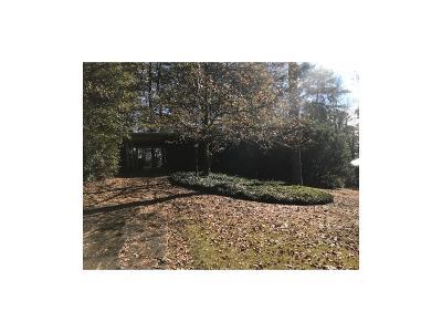 Smyrna Single Family Home For Sale: 3845 Hillcrest Drive SE